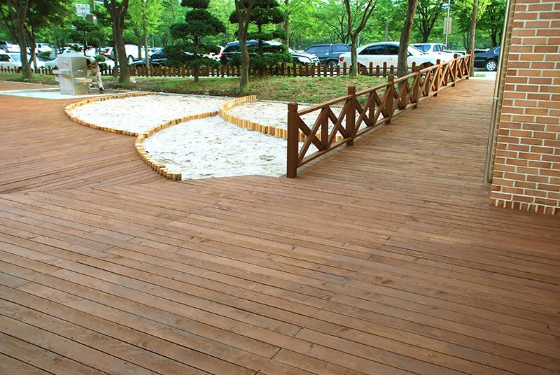 deck-gwachonmain3.JPG